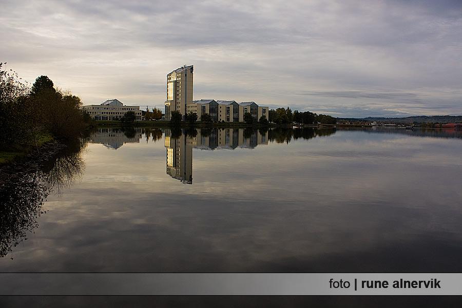 Munksjön söderut och morgonsolen