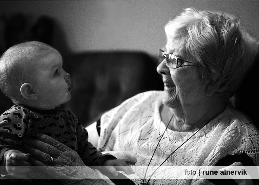 Gammelfarmor Ingrid och barnbarnsbarn Ingrid