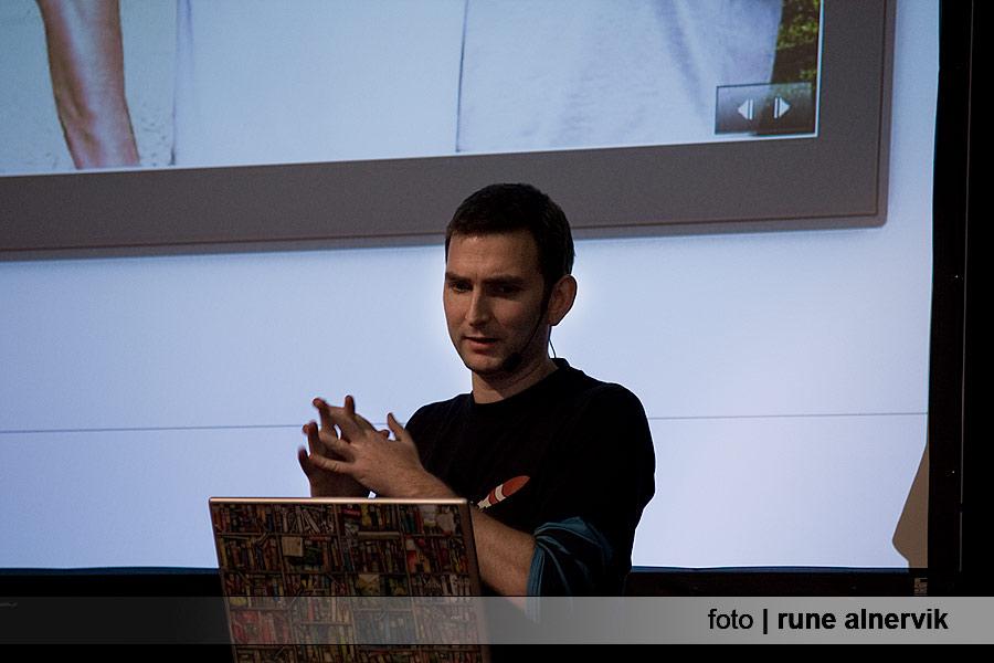 Mattias Karlsson Stora scenen, seminariet Kom ingång med Photoshop Elements 7&8