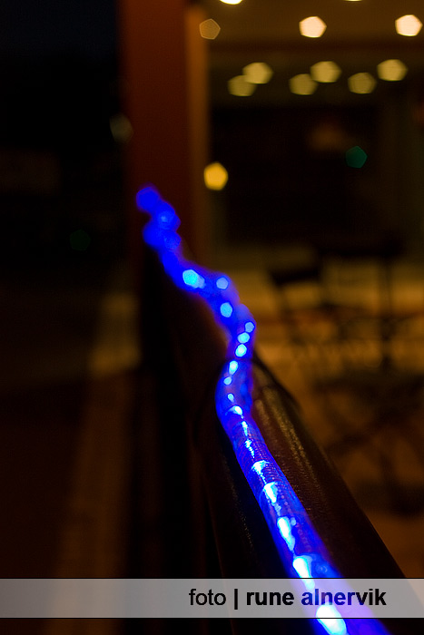 Nattbild av ljusdekoration. John Bauer hotell, Jönköping